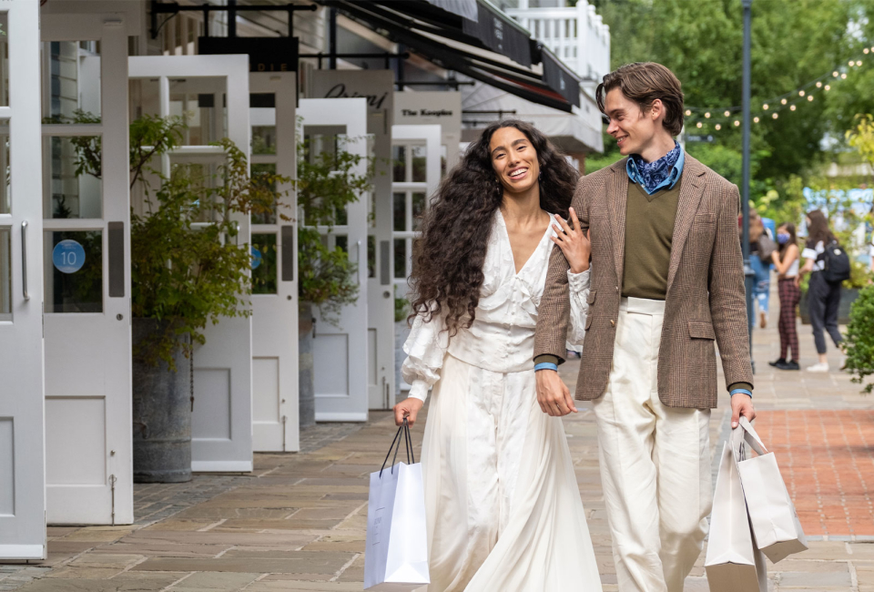 Mathias & Ciindarella at Bicester Village