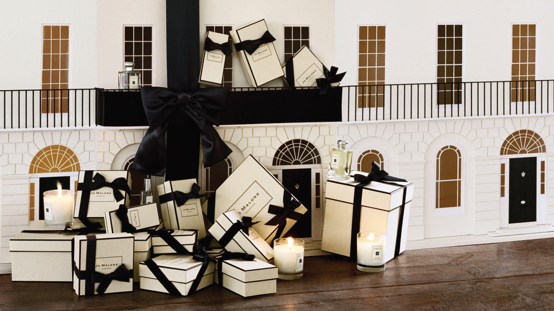 Jo Malone London main image gift boxes at Bicester Village