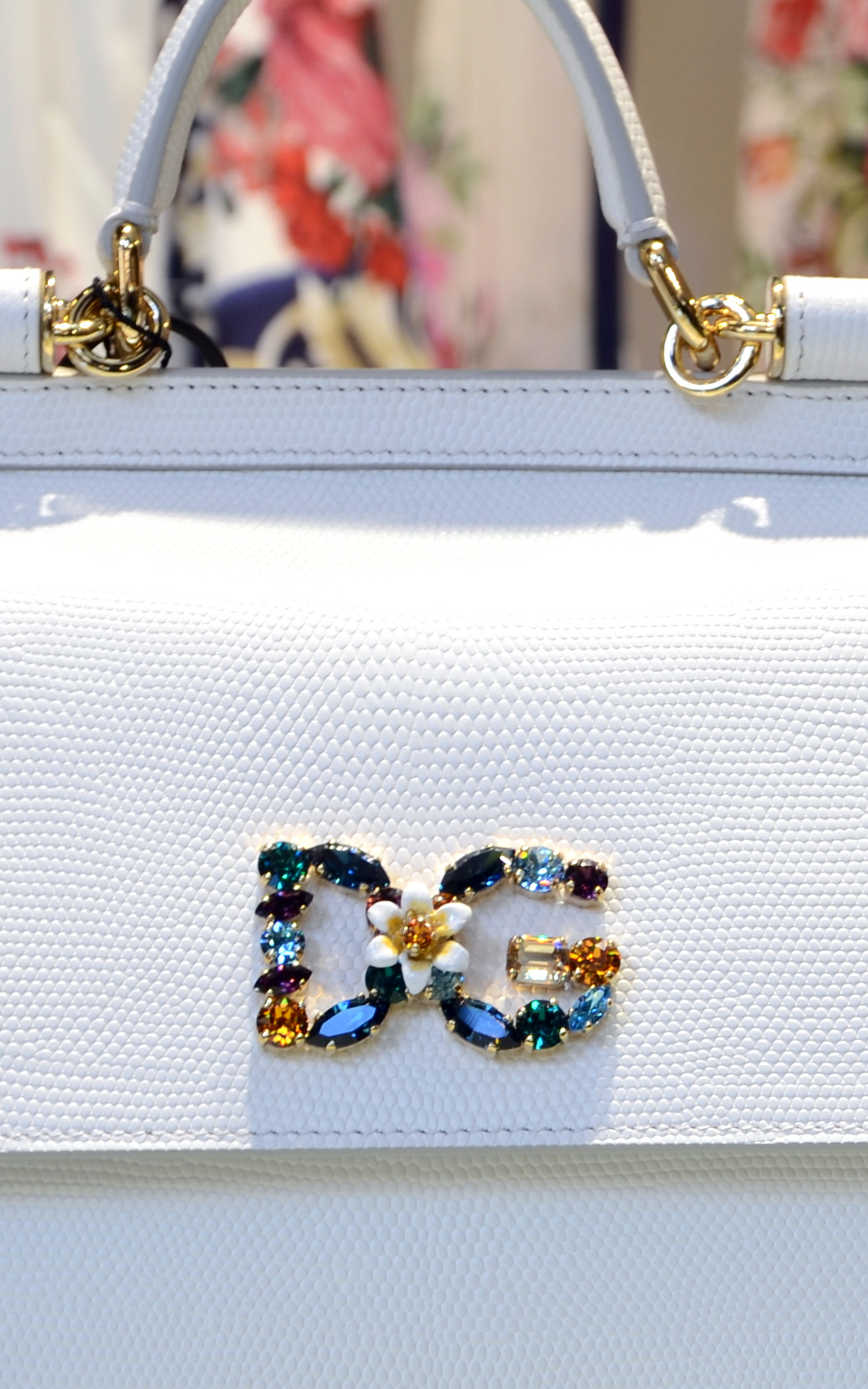 D&G jewelry white bag