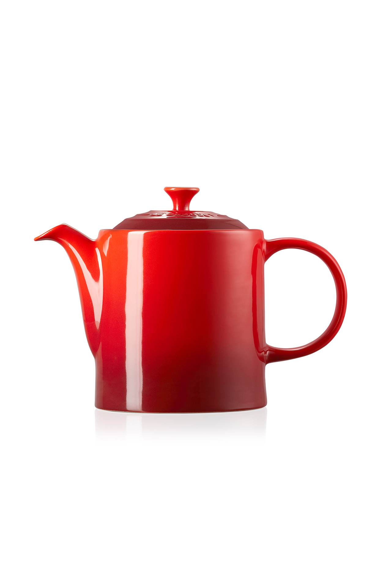 Le Creuset Grand teapot cerise from Bicester Village