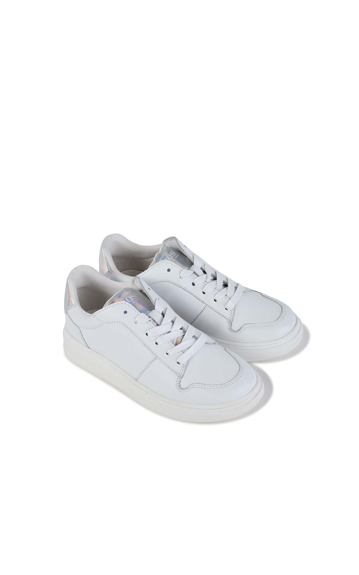 La Vallée Village BOSS Kidswear girl sneakers