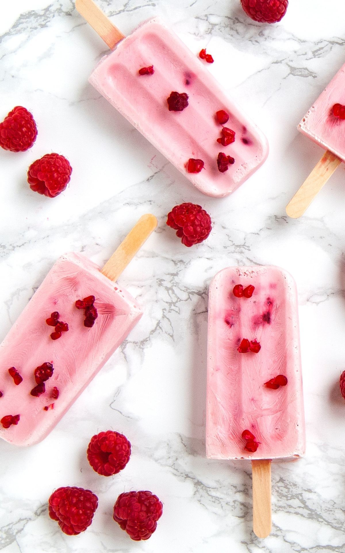 Raspberry ice-pops at La Roca Village