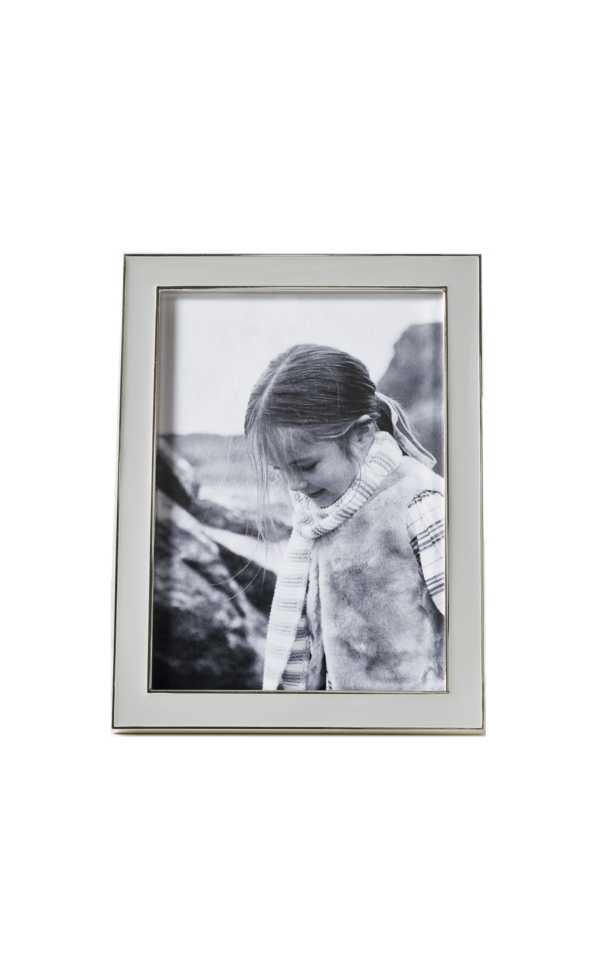 The White Company Grey resin 5x7 photo frame from Bicester Village