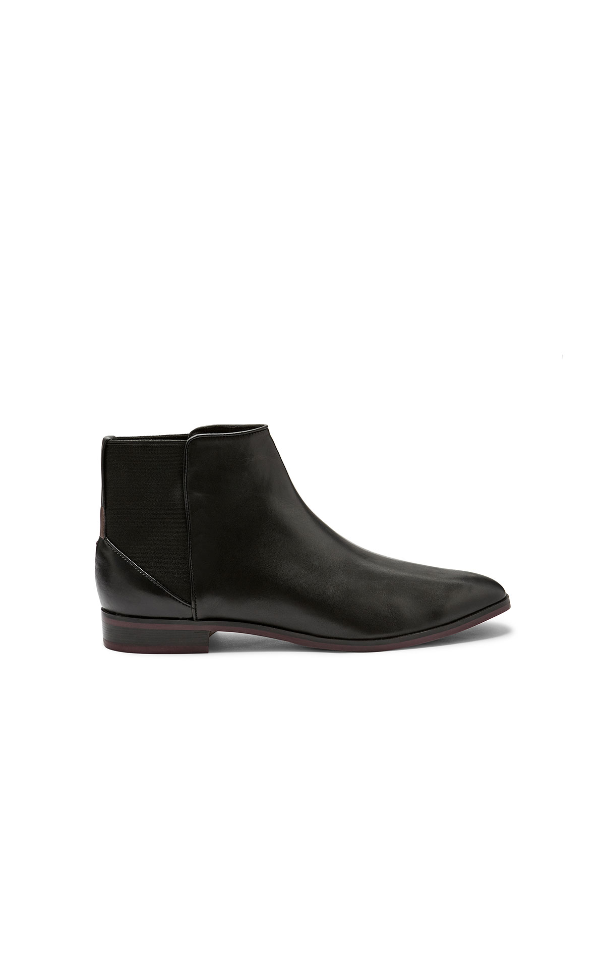 Ted Baker Equise blackleather chelsea boots from Bicester Village