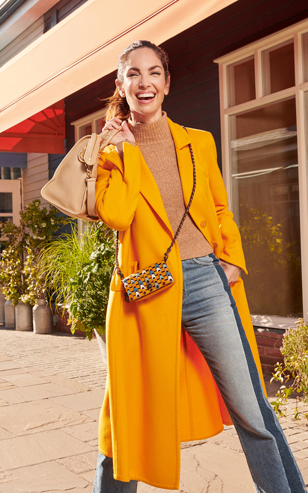 Eugenia Silva para la campaña de otoño en The Bicester Village Shopping Collection