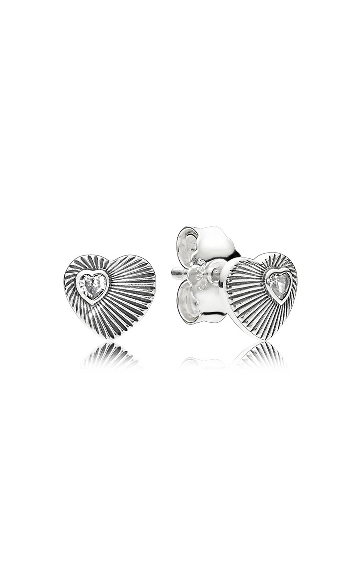 Pandora Vintage heart fan earrings from Bicester Village