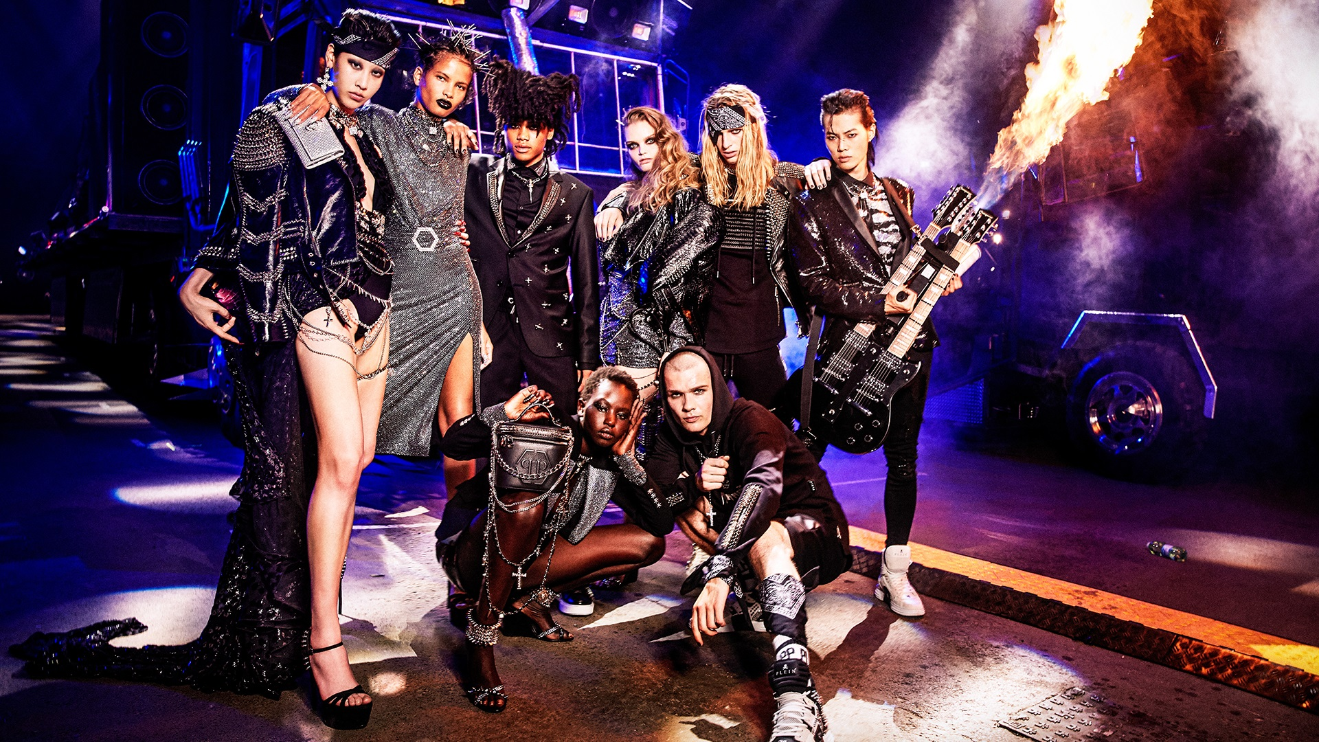 Models with black Philipp Plein rock clothes