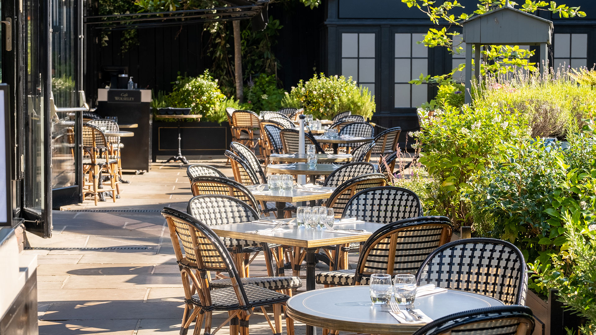 Cafe Wolseley food dining at Bicester Village