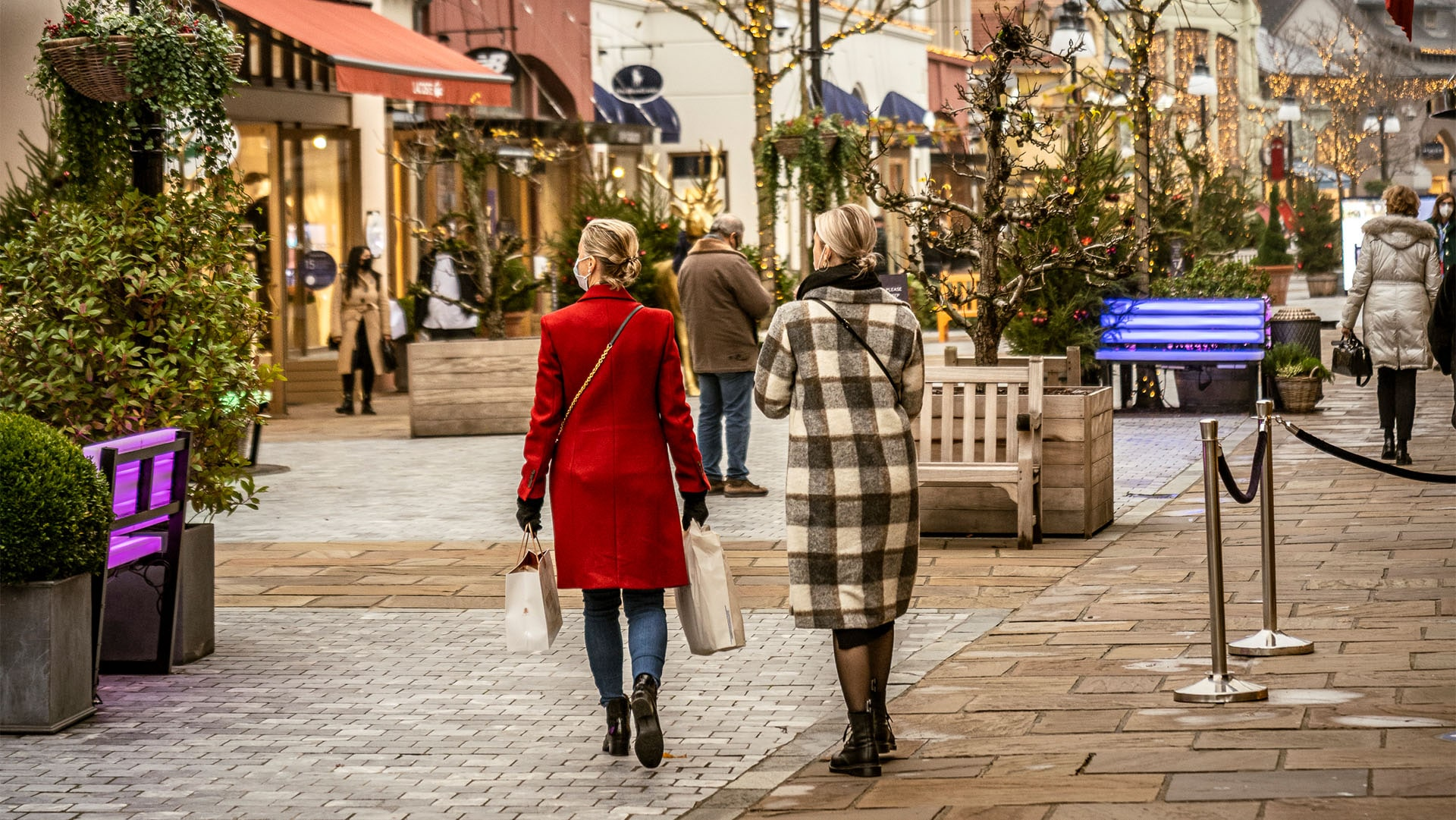 Maasmechelen Village outlet shopping open on Sunday
